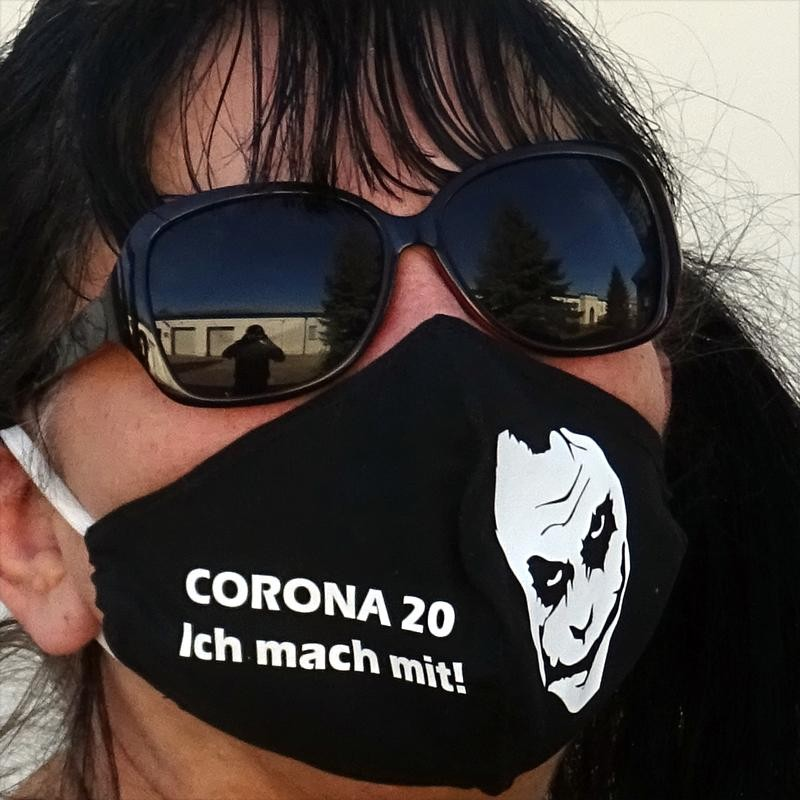 Corona Joker Maske